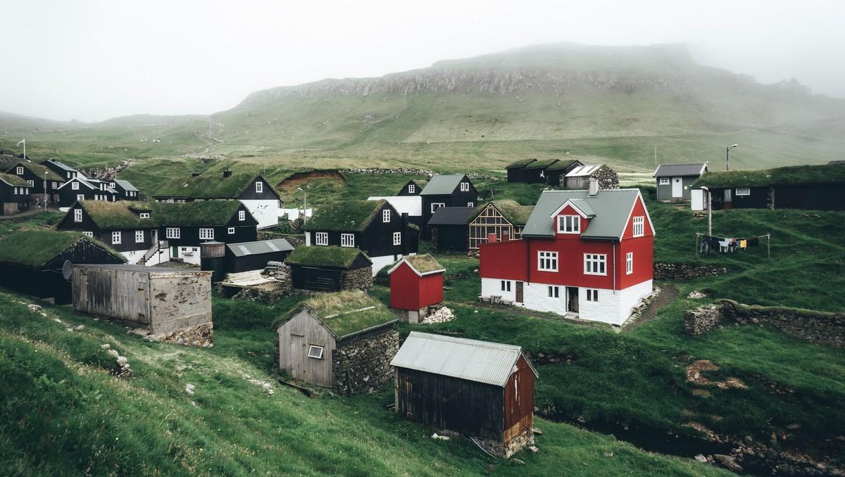 Ekologické bydlení v podobě několika rodinných domů.